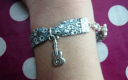 liberty,bracelet,breloque